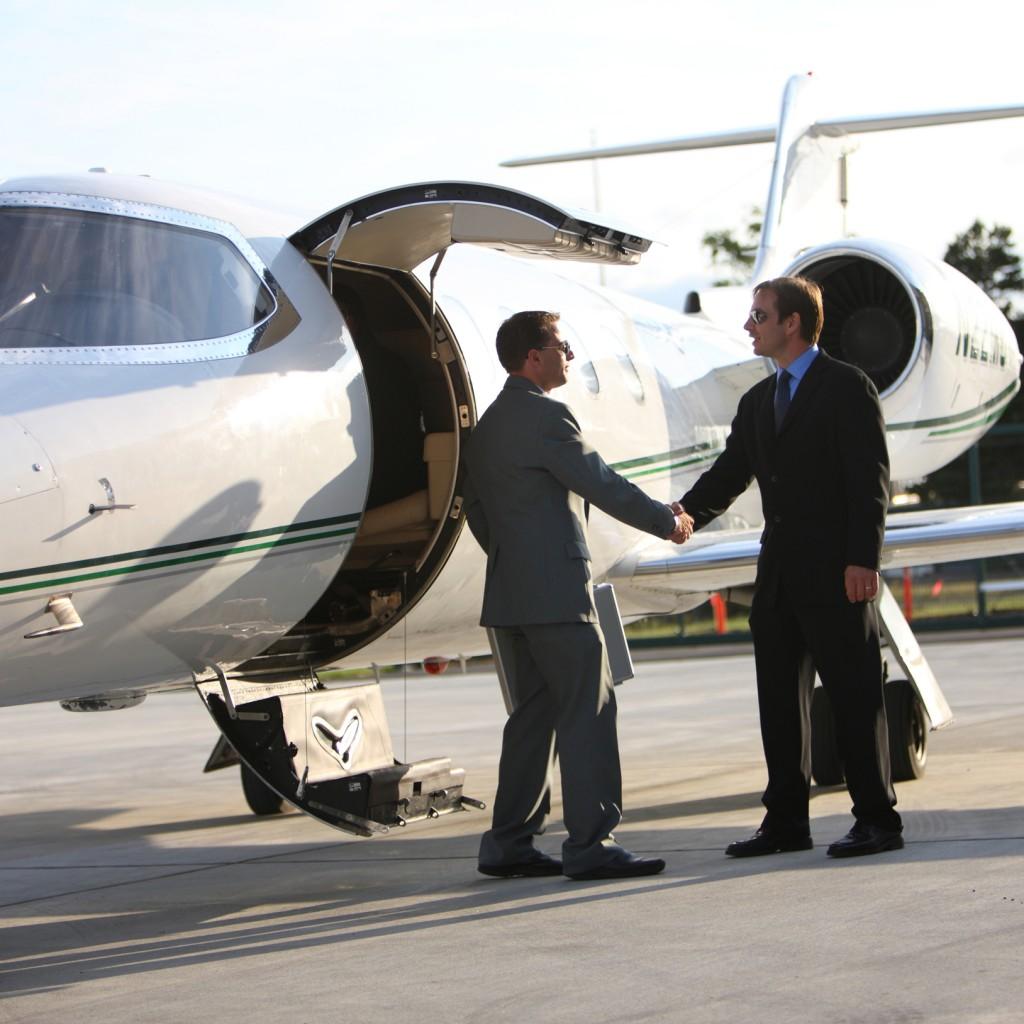 Getting Big Clients Landing Big Deals SQUARE